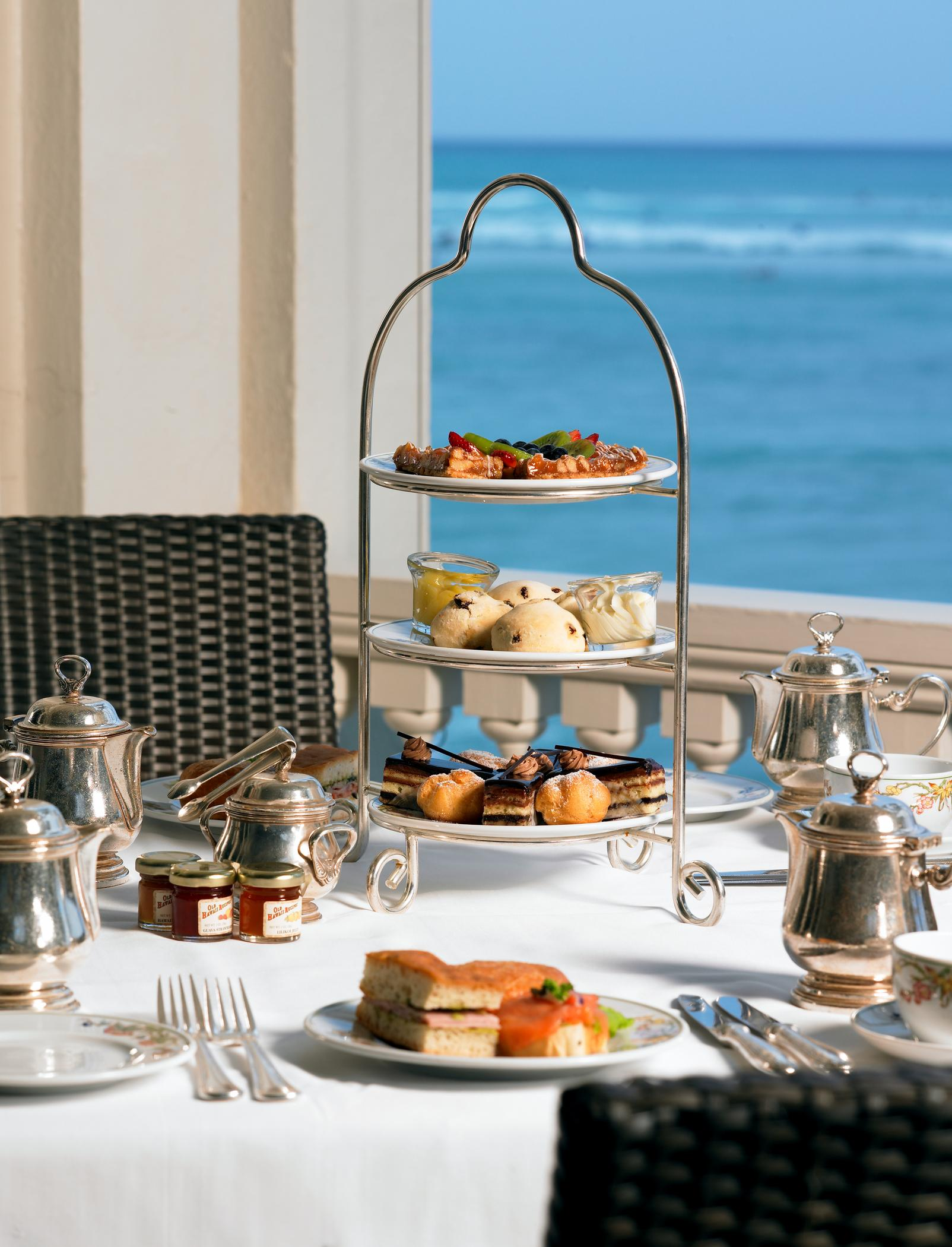 Moana Surfrider Hotel -The Veranda Afternoon Tea